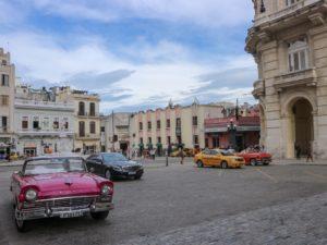 【キューバ旅行】今までの旅史上最も波乱が続いたキューバ・ハバナへの長ーい道のり|フライトキャンセルに遅延、野宿まで…